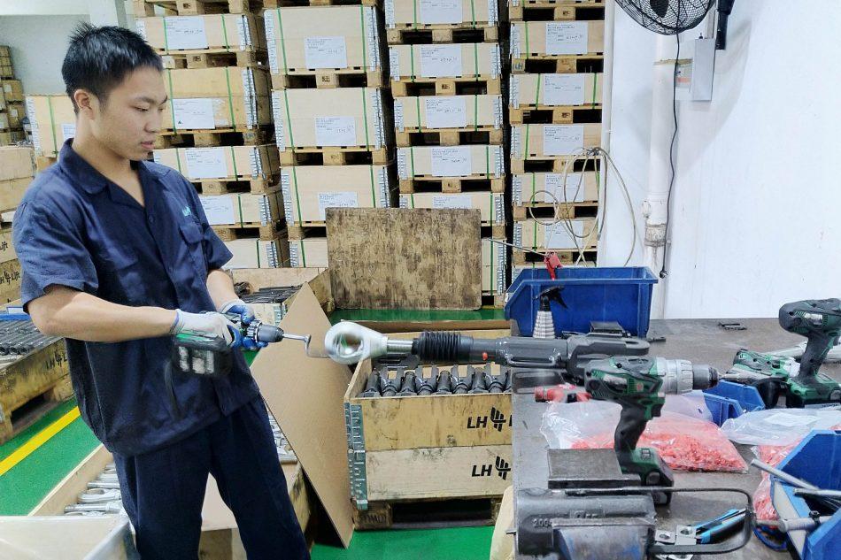 LH Lift työntekija Ningbossa Kiinassa ISO 9001
